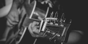 Frases de música cortas para pensar