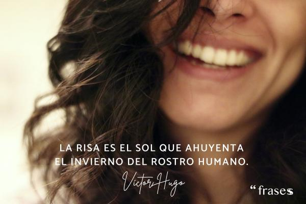Frases de sentimientos y emociones - La risa es el sol que ahuyenta el invierno del rostro humano.